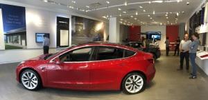 Tesla_store2
